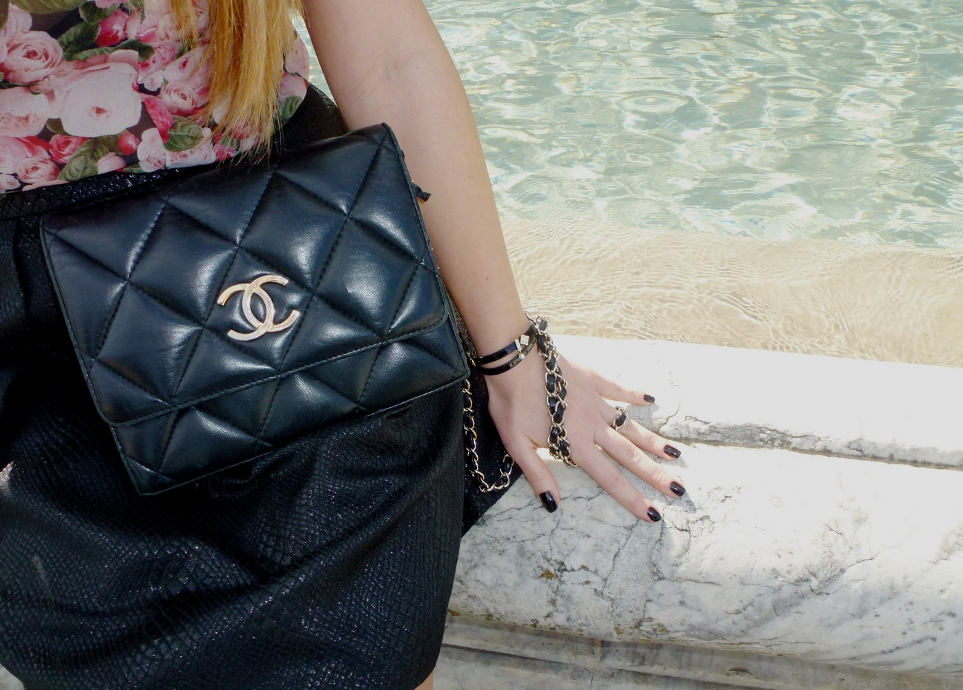 chanel clutch black leather bag pochette