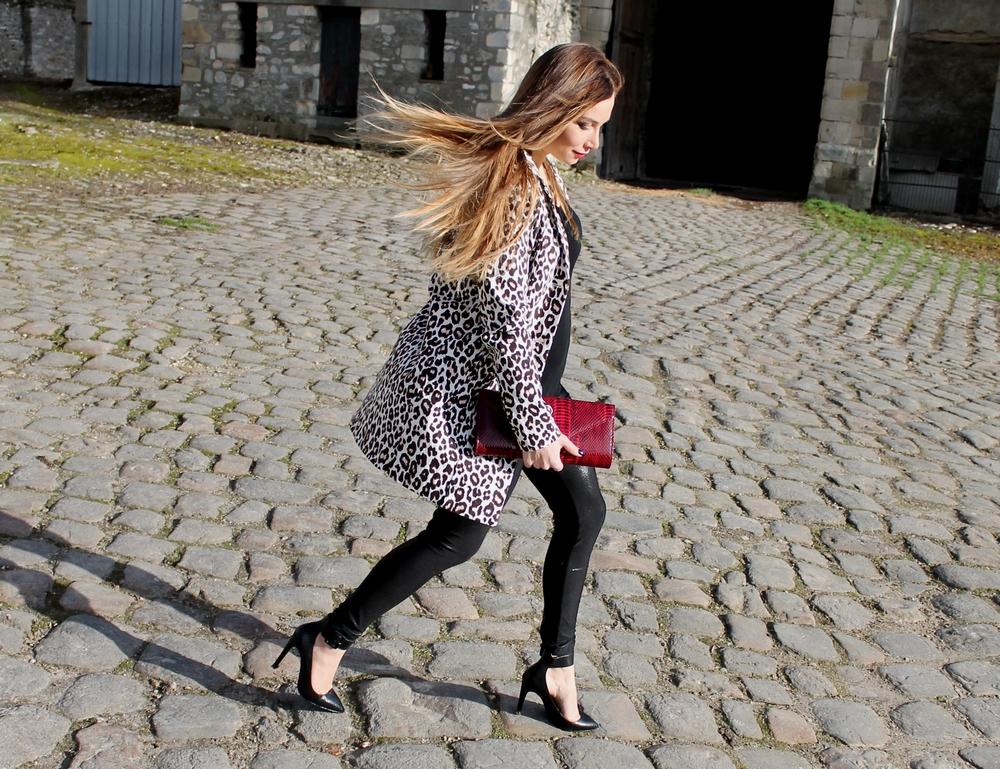 Le cas de la veste ou manteau léopard