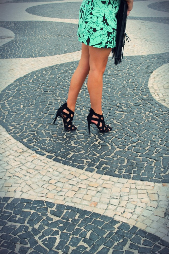 bon out x arrive boutique de sortie sandales ajourées en daim noir talon aiguille zara style ...