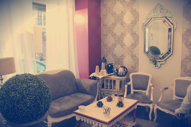 salon boudoir cosy atelier du sourcil rue fourcroy