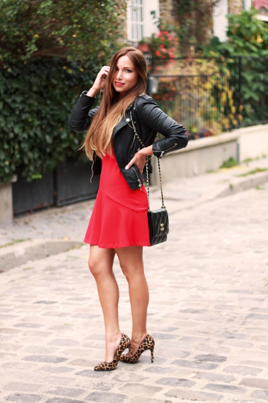 robe rouge escarpins leopard impimé animal  sac chanel