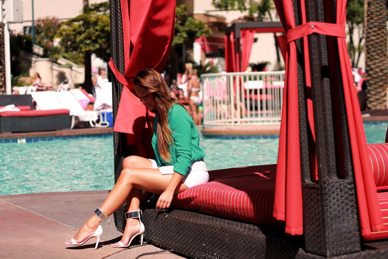 white skort green blouse fashion blog las vegas
