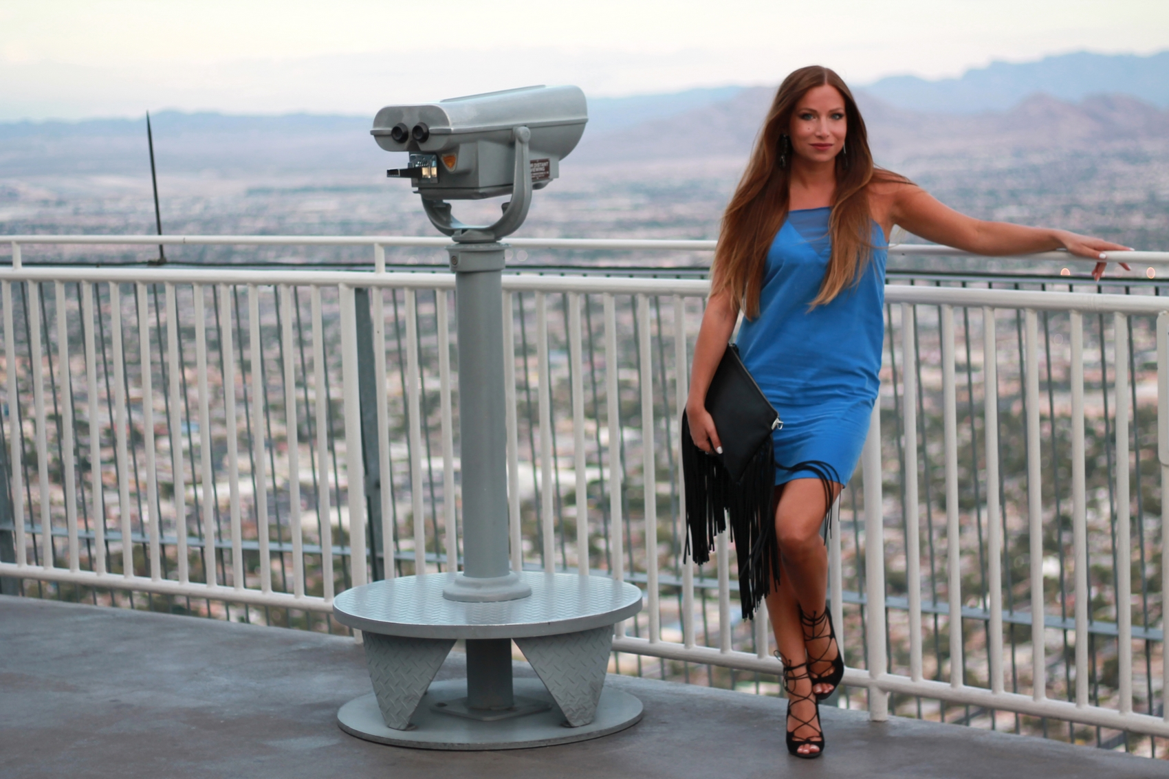 blue dress zara high heels aldo clutch fringes bag h&m stratosphere hotel vegas