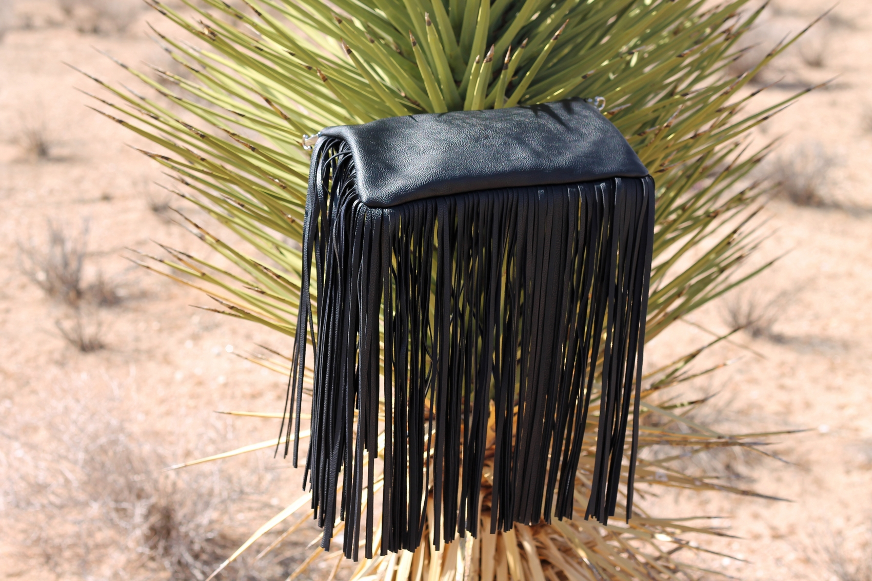 fringes bag h&m pochette a franges en simili cuir noir