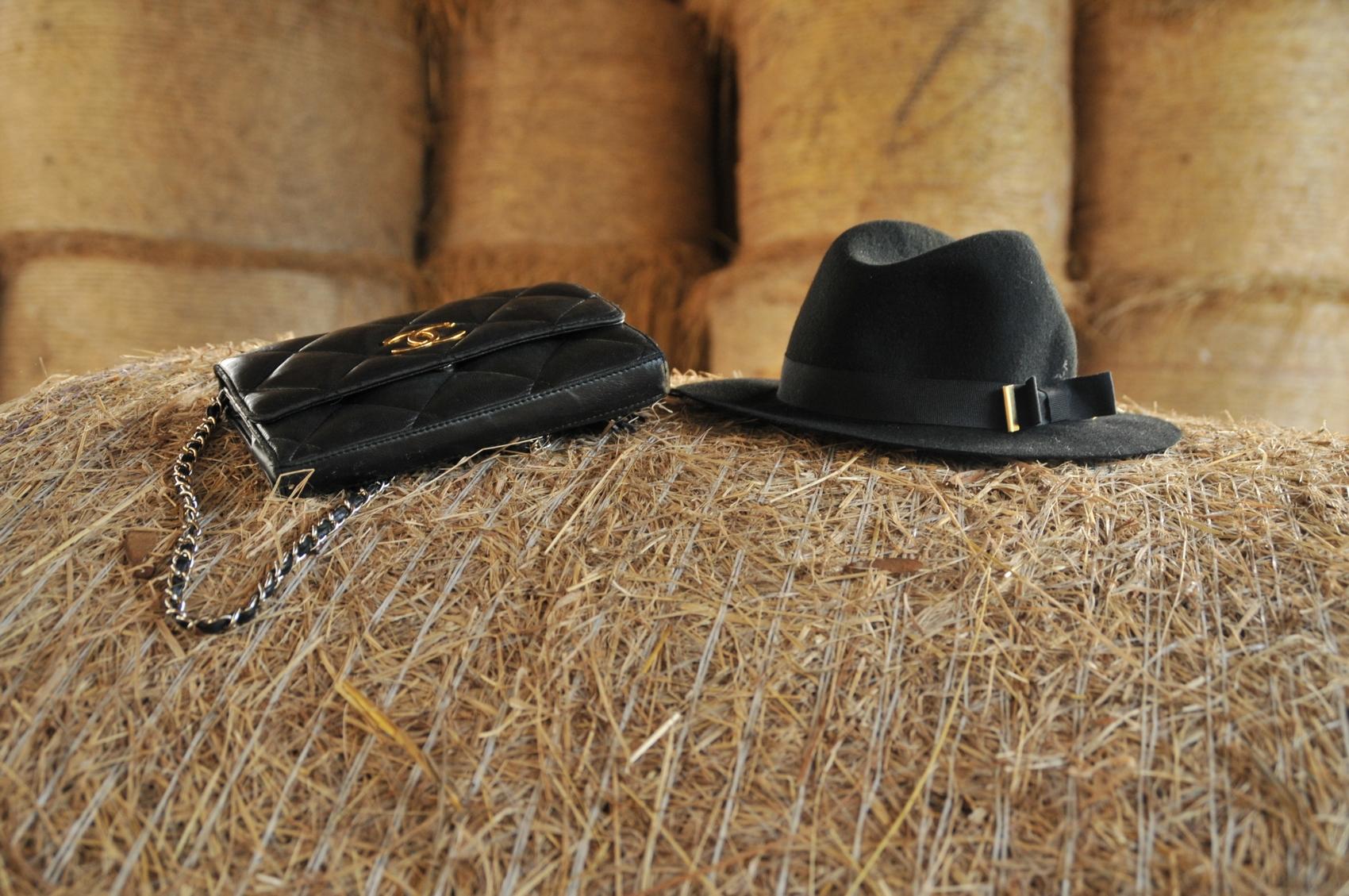 chapeau fedora feutrine noir etam sac matelassé cuir noir vintage chanel blog mode