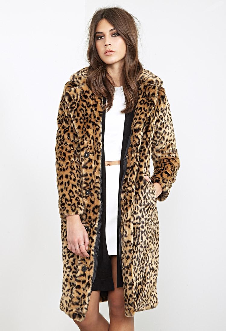 comment porter la fausse fourrure how to wear the fur coat la minute fashion. Black Bedroom Furniture Sets. Home Design Ideas