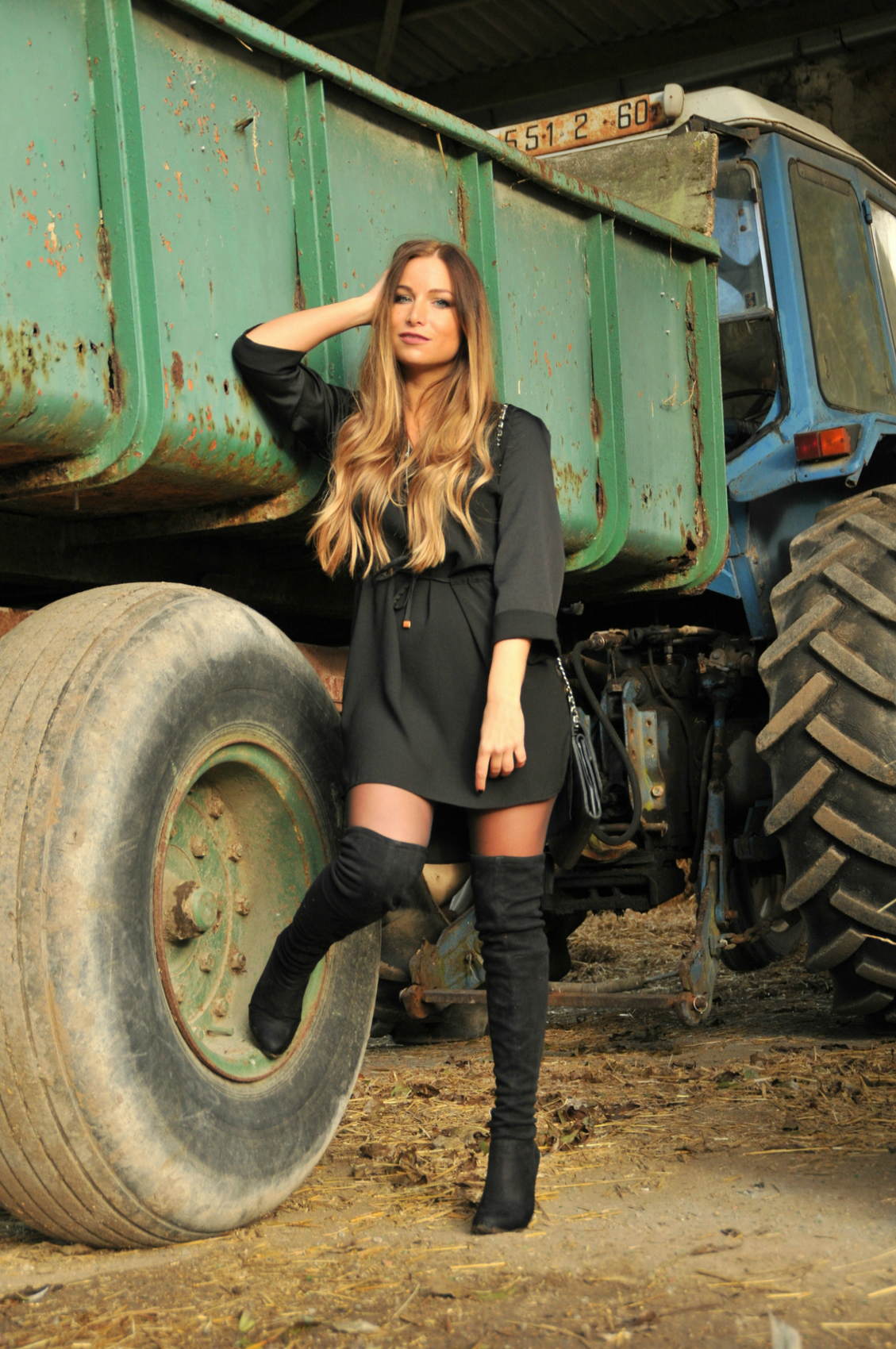 robe noir cuissarde look sixty automne 2014