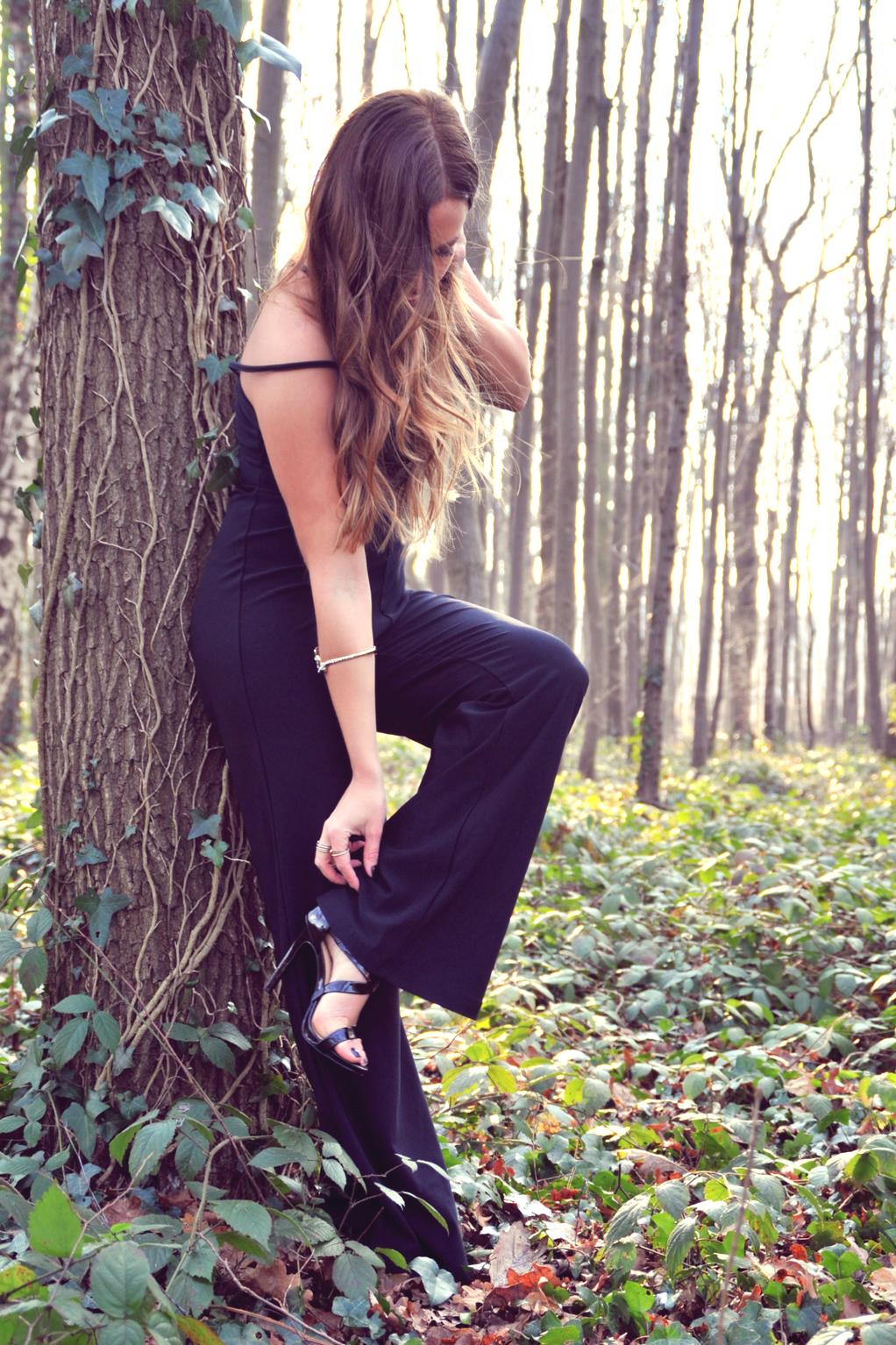 combinaison noir pantalon evasé style palazzo pant