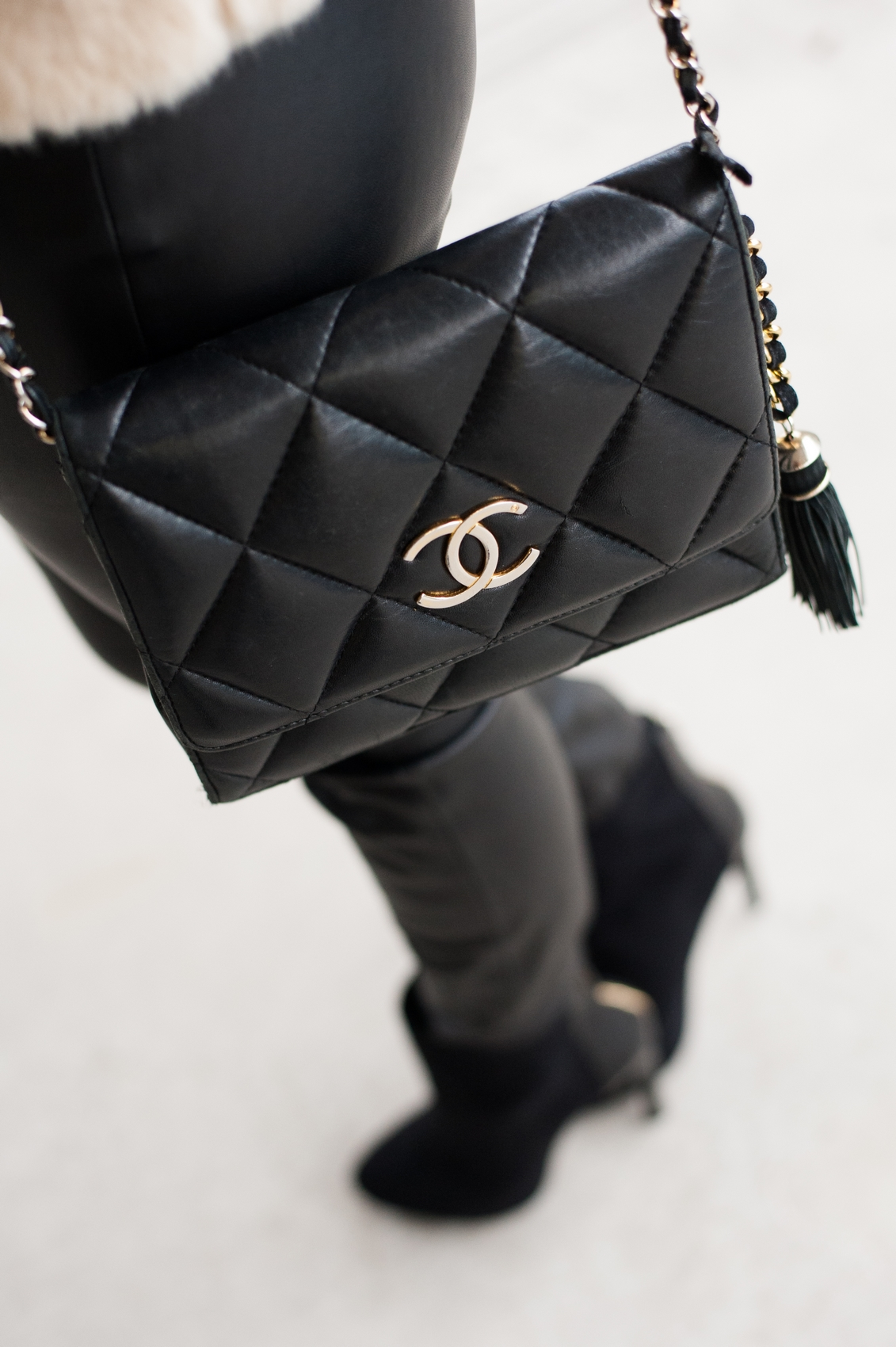 chanel leather bag low boots high heel stradivarius