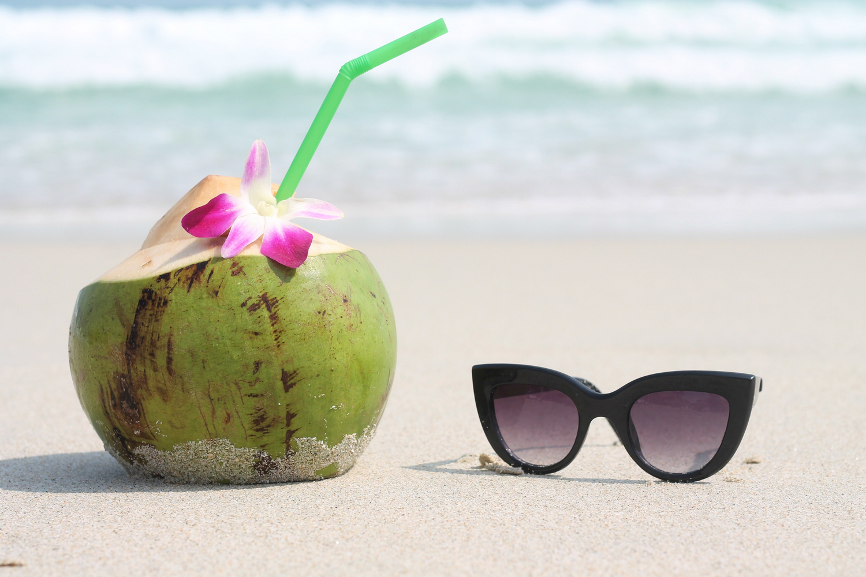 coco chaweng beach lifestyle & fashion blog sunglasses cat eyes