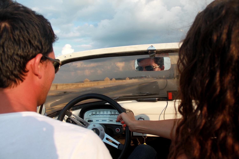 nancy et le chauffeur de taxi sur le malecon
