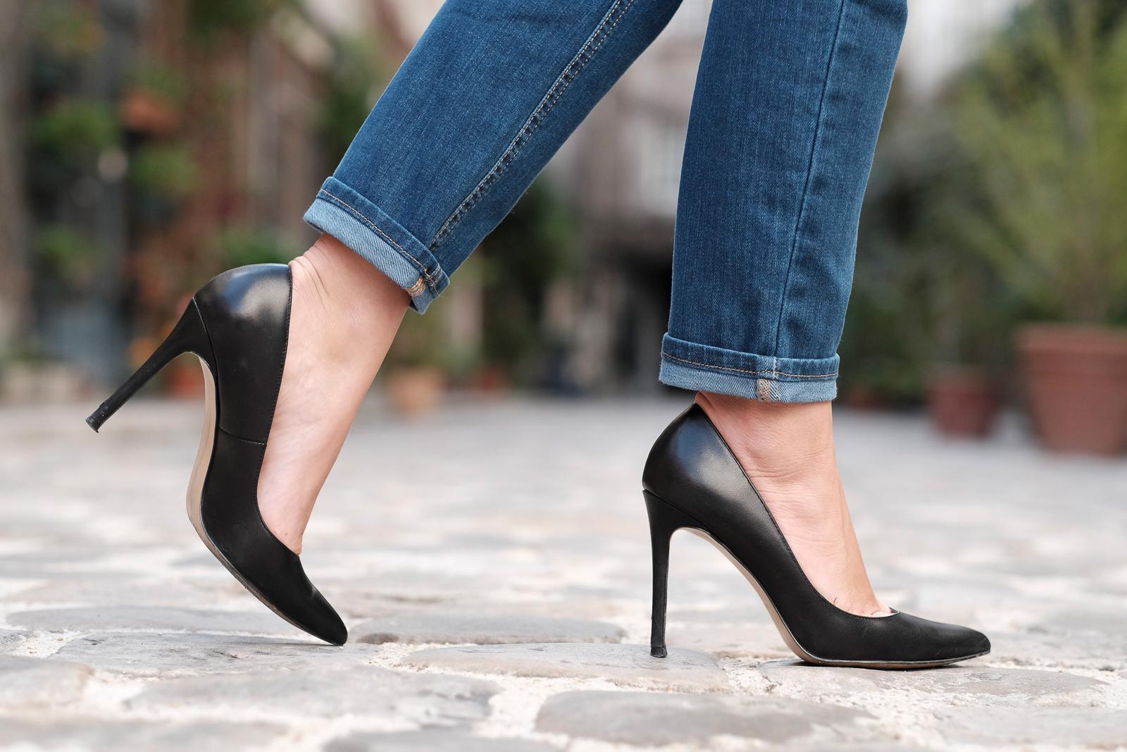 high stiletto heels black leather mango escarpins talons aiguilles noir