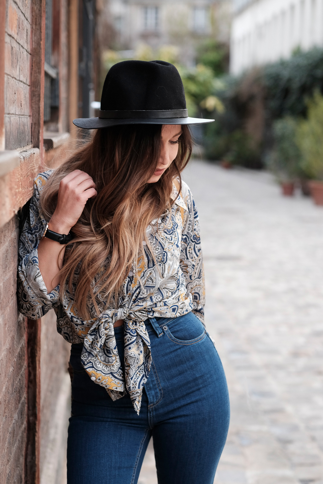 ootd high waist jean and vintage print shirt