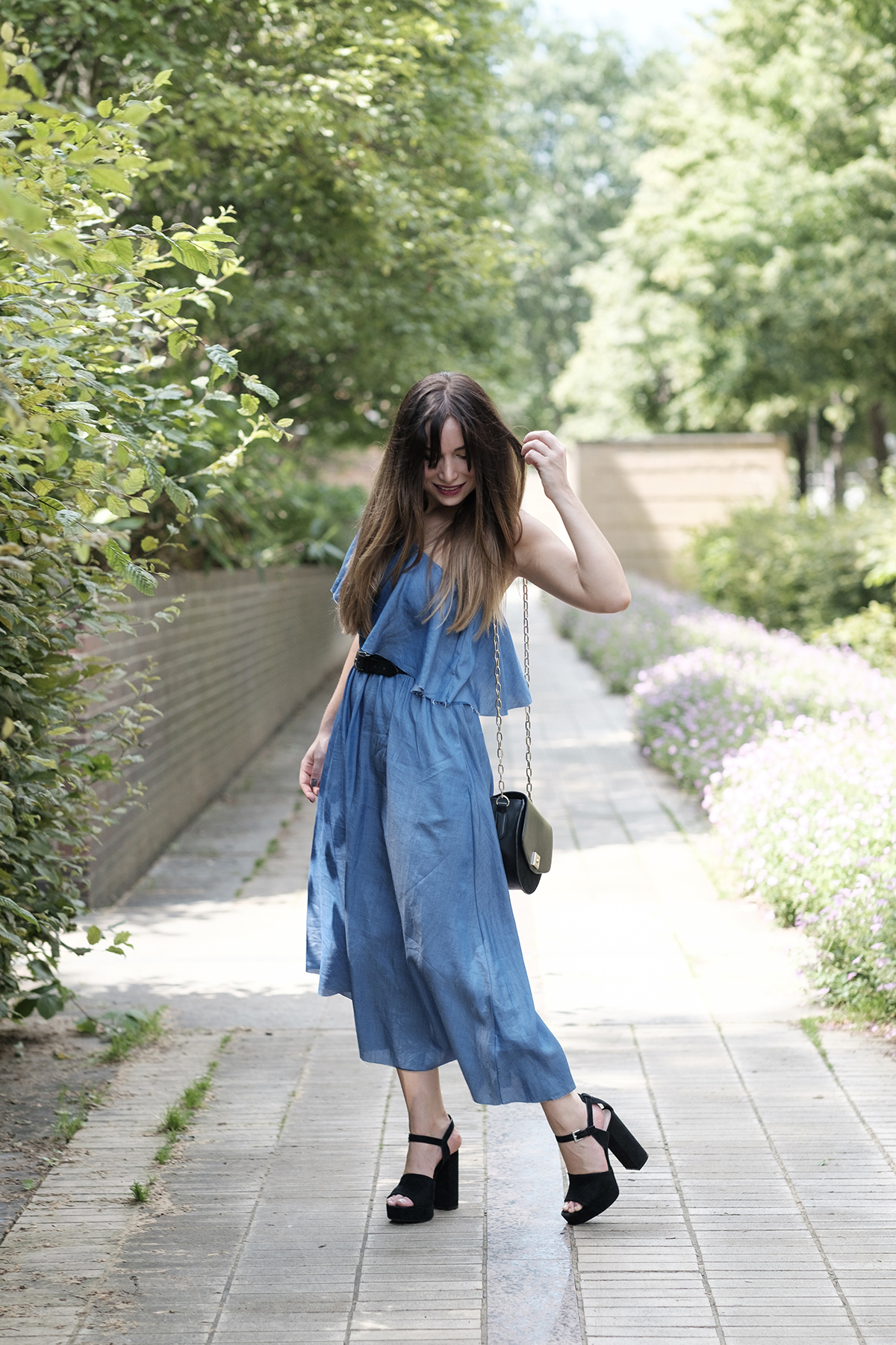 how to wear the denim dress