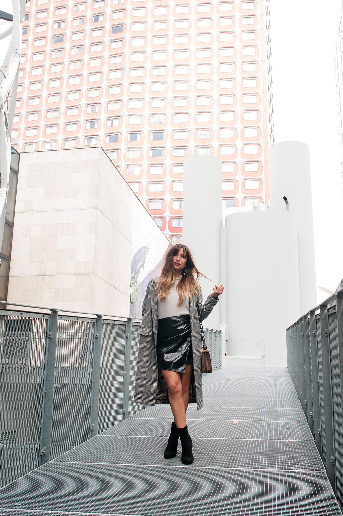 fashion-blogger-vinyle-skirt