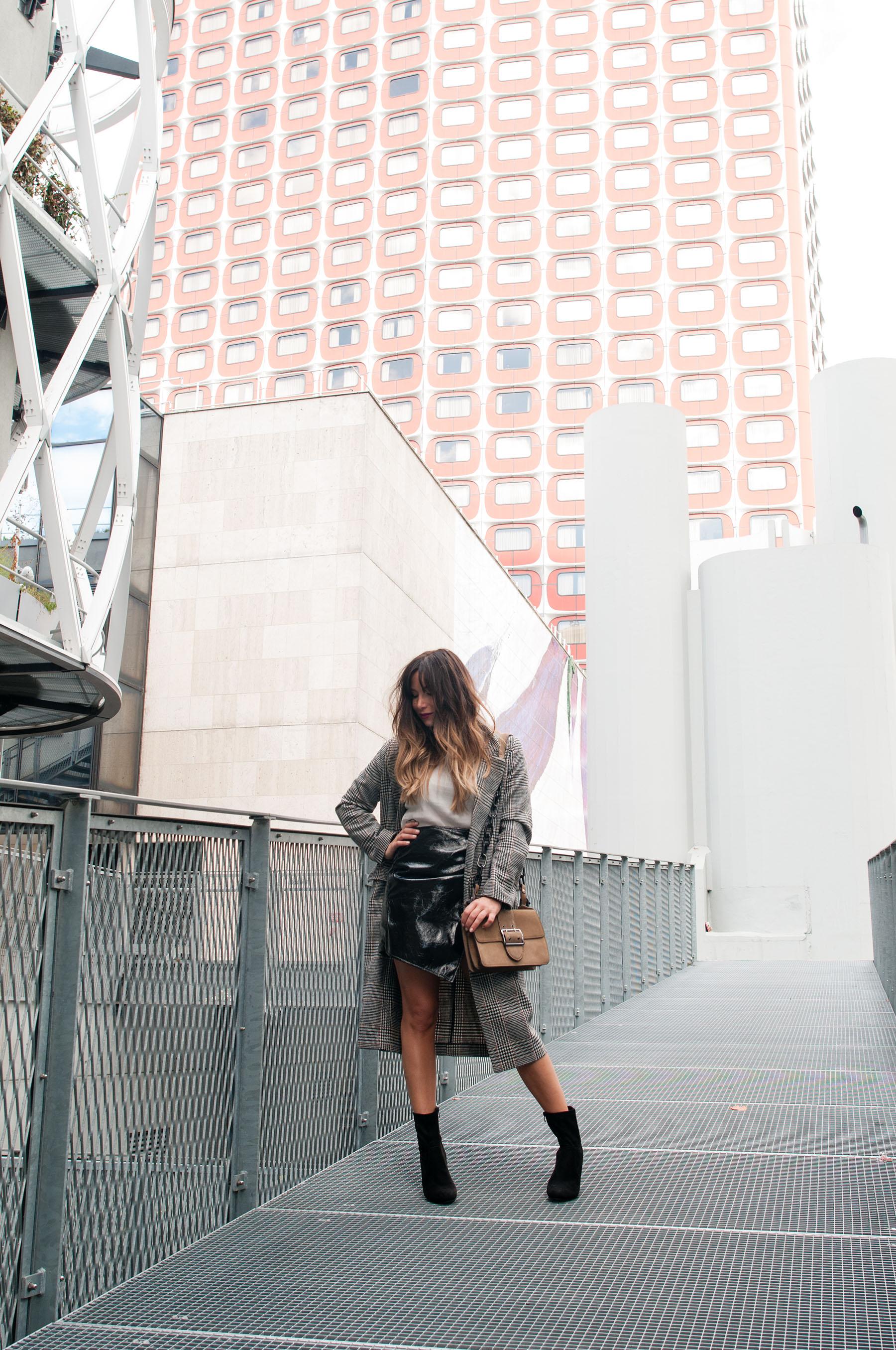 streetstyle-la-minute-fashion-long-manteau-a-carreaux