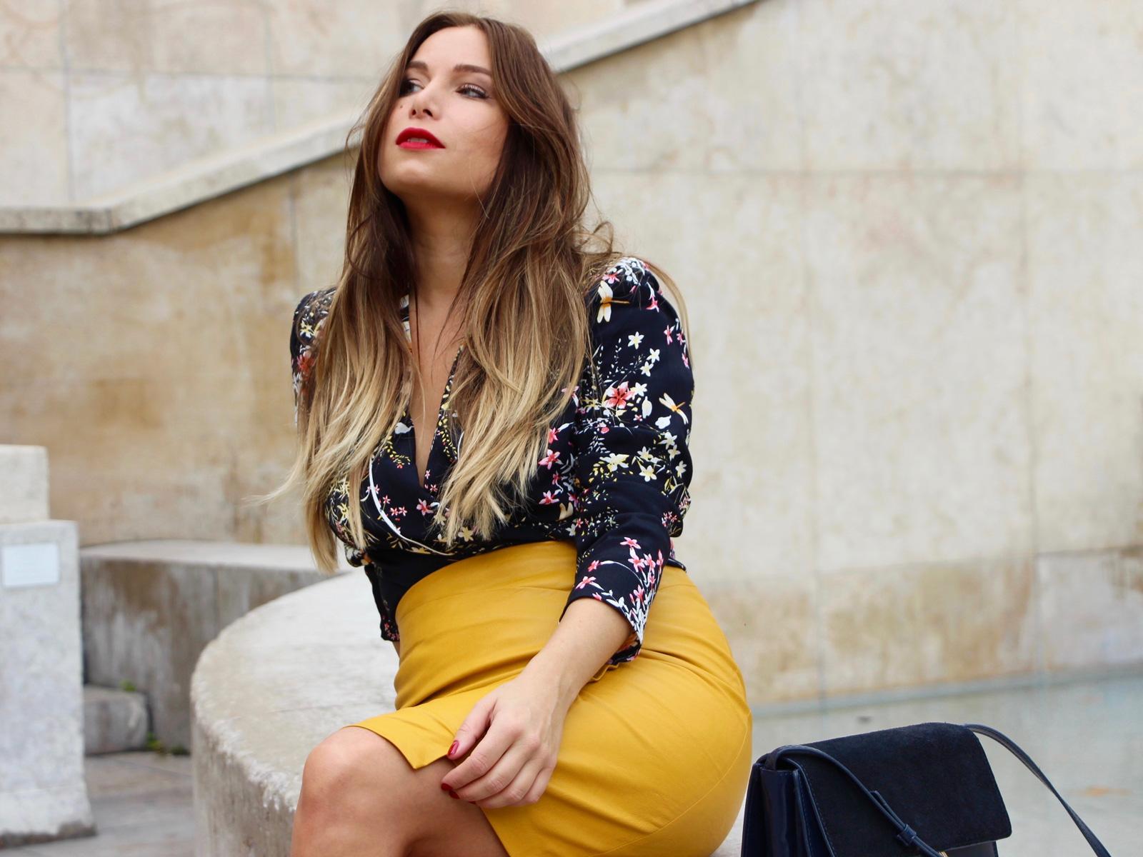 Look veste en cuir jaune