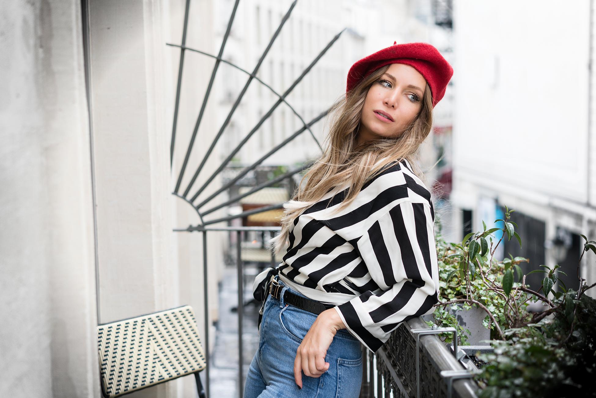 comment porter le beret beautiful un look citadin so parisian avec un bret rouge un pull rouge. Black Bedroom Furniture Sets. Home Design Ideas