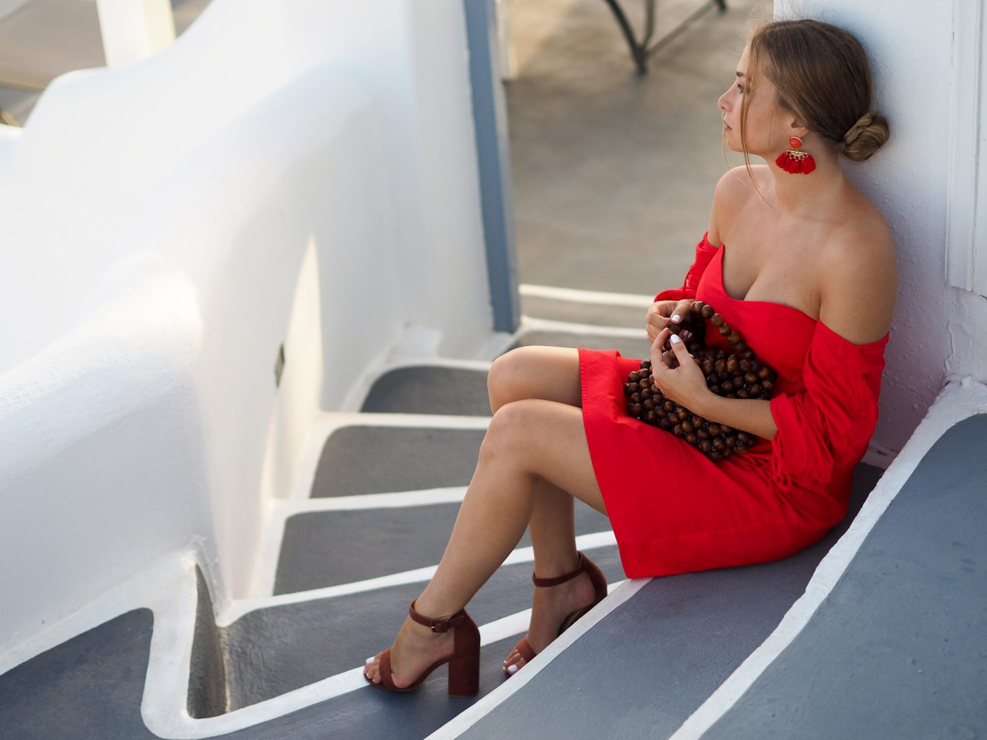 Glamour en robe rouge off shoulder !