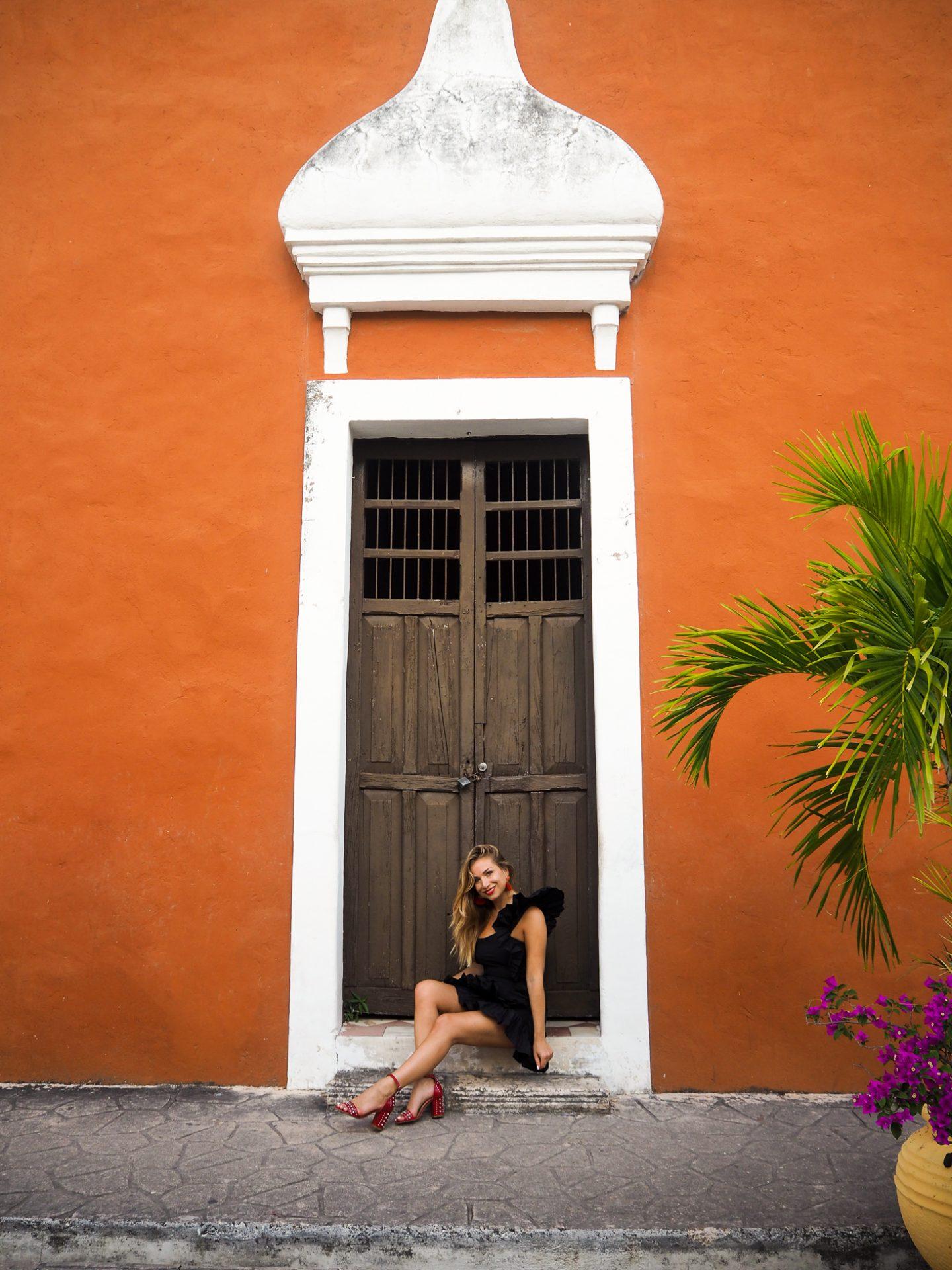 Calle de Los Frailes : la petite robe noire à volants parfaite pour le réveillon
