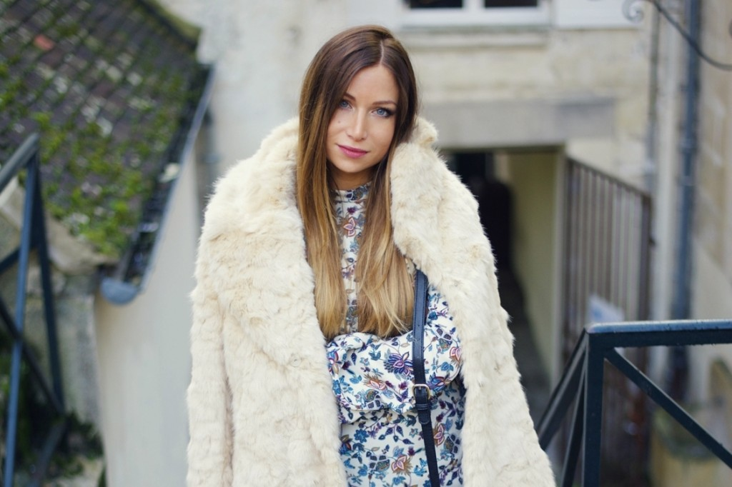 Factory girl – Faux fur coat & over the knee boots